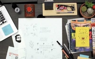 tafel-met-macbook-schrijven-bureau